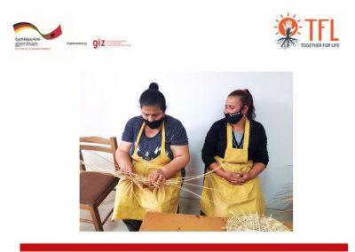 Të rinjtë romë dhe egjiptianë i rikthehen traditës së prodhimit të produkteve të thuprës